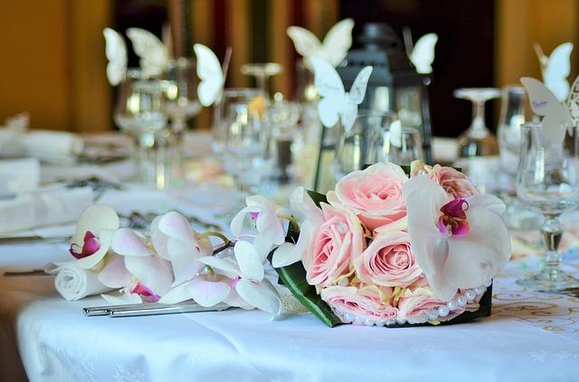 bouquet-1566272_640